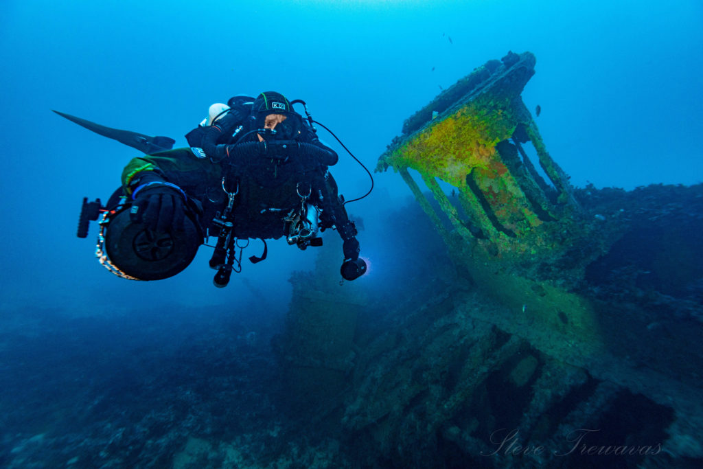 Major Projects Foundation Diver inspecting ship wreck